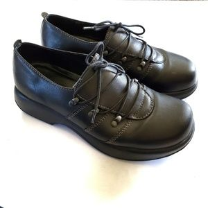 Dansko Janika Oxford leather lace up shoes